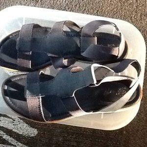 Women's size 8 1/2 sandals.